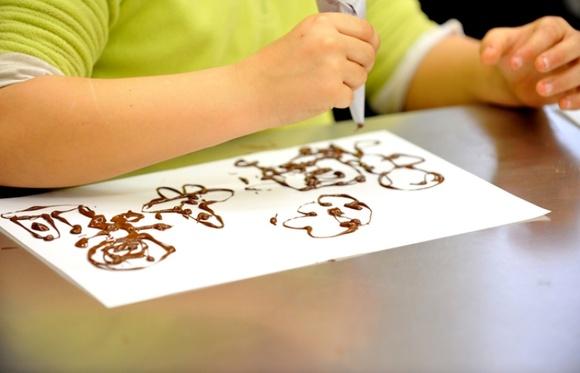 Artistas del chocolate, taller para niños en el Museo de la Xocolata de Barcelona