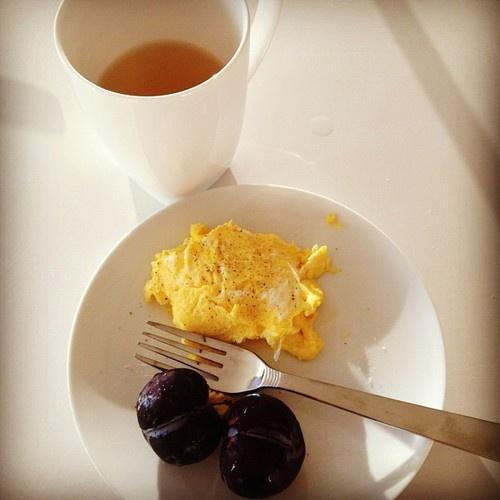 eggs, plums, green tea. Healthy Breakfast: Healthy Breakfast
