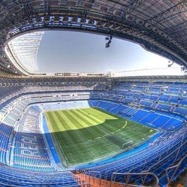 Estadio Santiago Bernabéu in Madrid, Madrid un dia con mis hermanitos, Joel y Juan Elias