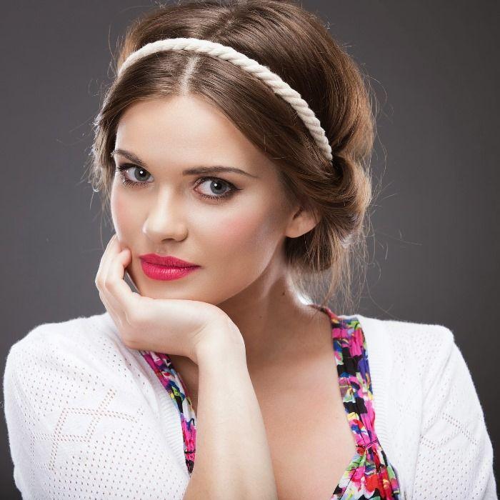 Греческая прическа для волос средней длины. Пошаговую инструкцию по выполнению смотри в статье...