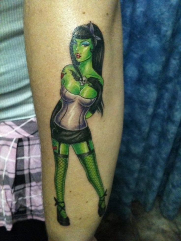 Zombie PinUp Girl.  In the running for my next tat along with the mermaid.