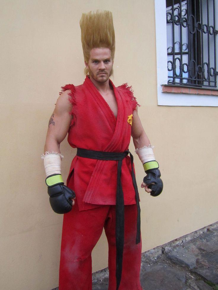 Paul Phoenix cosplay