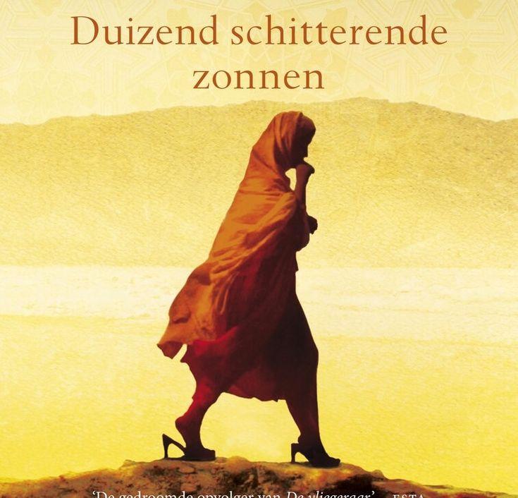 ★★★★★ Khaled Hosseini – Duizend schitterende zonnen (2007) Het kost me meer moeite dan ik dacht om over zo'n achterlijke cultuur te lezen. Het verwoesten en onderdrukkken van levens uit…