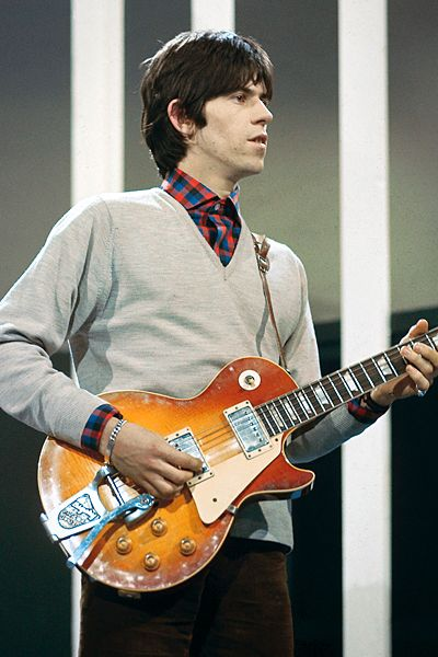 Keith Richards performing on TV Show, playing Ginson Les Paul guitar with Bigsby Vibrato, Bigsby Vibrato Photo by David Redfern/Redferns. Description from pinterest.com. I searched for this on bing.com/images