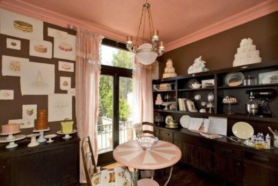 Cake Decorating Room : 36 best Alternative dining room ideas images on Pinterest ...