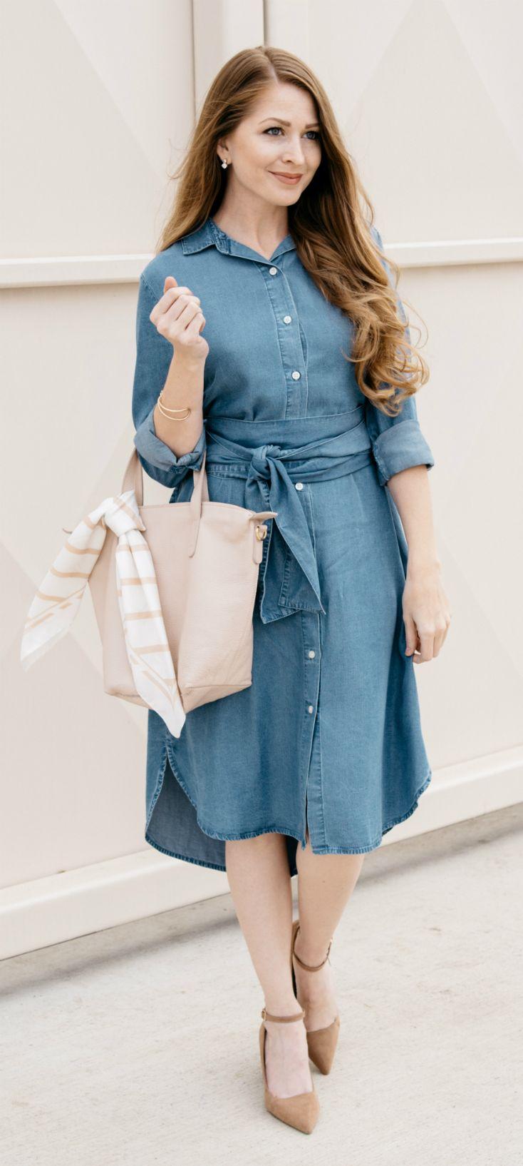 GAP Denim Shirt Dress / Chambray Shirt Dress / Cuyana Tote / Fashion / Classic Style / Outfit Ideas