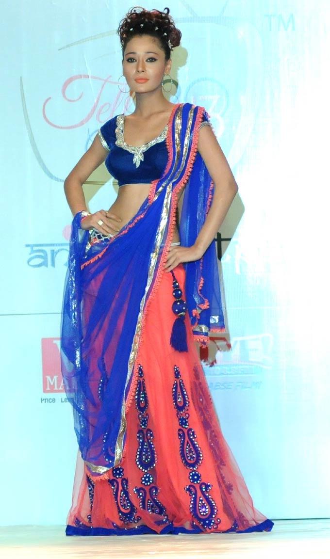 Sara Khan on the ramp. #Bollywood #Fashion
