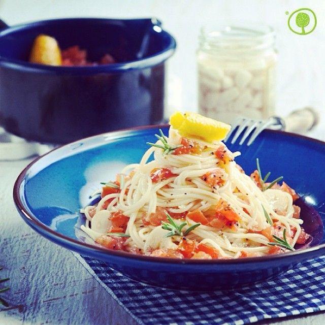 Today, it is World Pasta Day! Prepare a delicious spaghetti recipe using Greek handmade pasta!