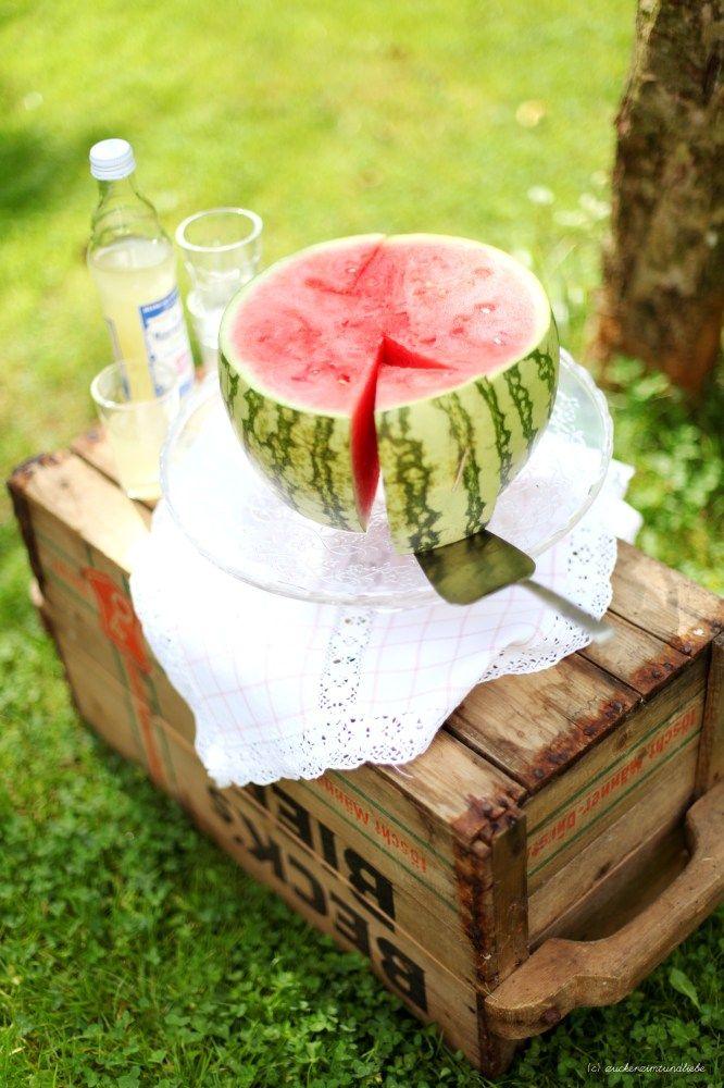 too hot to bake - heute gibts hitzefreie Wassermelone auf dem Sonntagstisch verkleidet als Törtchen <3