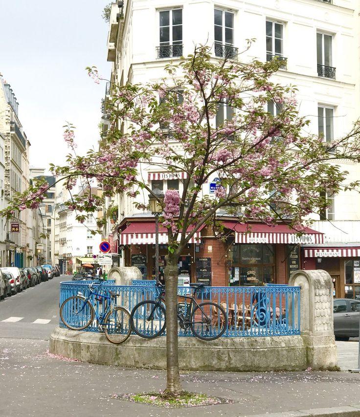 """Heute geht es weiter mit meiner Miniserie """"Paris mit Kindern"""". Ich nehme euch unter anderem mit auf einen Spaziergang durch Montmartre."""