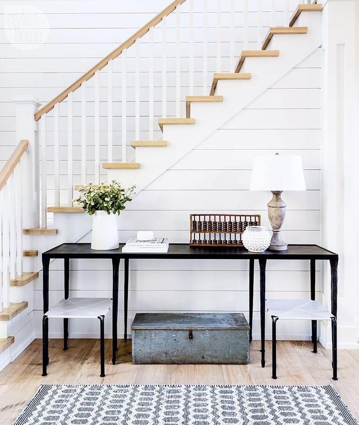 This family cottage's foyer is dressed to impress {PHOTO: Robin Stubbert}
