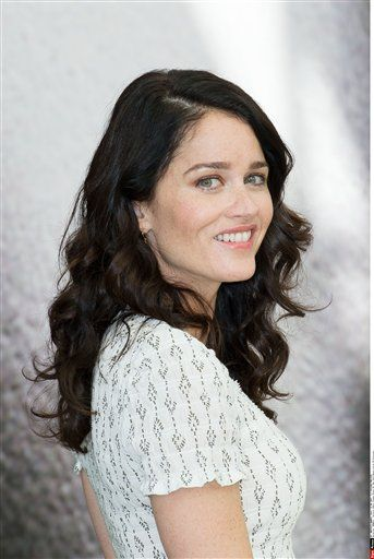 teresa lisbon dating Robin tunney net worth: robin tunney's net worth is $4 million and her current role as teresa lisbon in the television series the dating all the way.