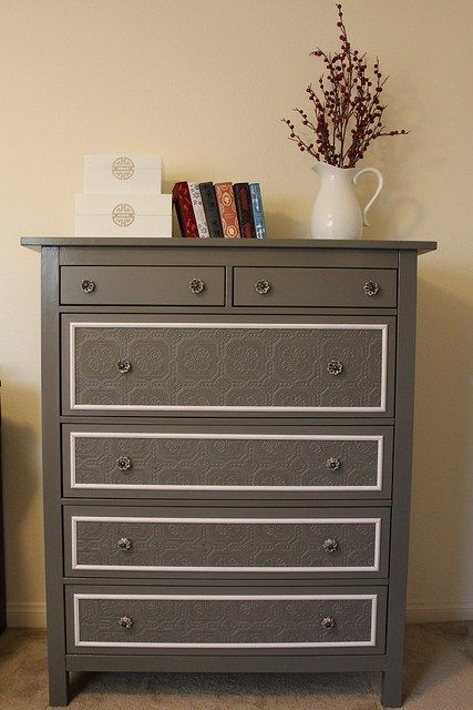 Could this be more gorgeous? That paintable wallpaper on the drawers is just beautiful and I wish I had the furniture makeover gene that so many talented DIY bloggers do! There isn't tutorial…