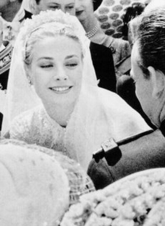 Grace Kelly..... Beauty at it's finest !