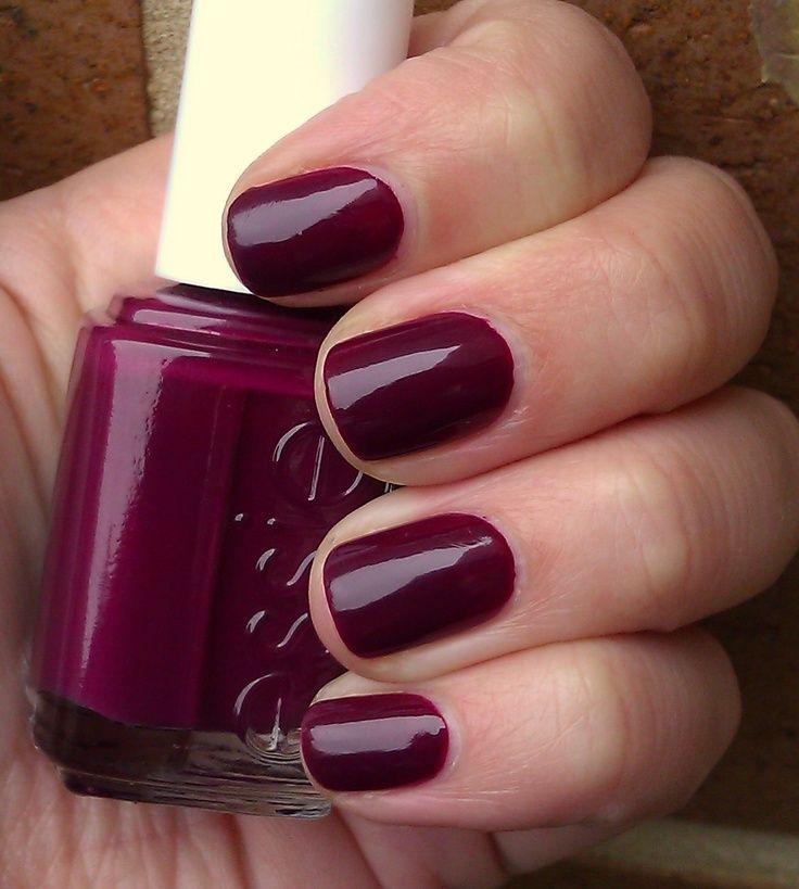 Essie Bahama Mama - perfect Fall nail color. LOVE! <3 (It reminds me of Sephora by OPI's Mr. Right Now, except this is more on the plum side rather than burgundy/wine.) This would add an extra lil something to our basic monochromatic wardrobe for fall & winter. More intriguing & less expected than red. Next pedicure color & someday mani color too. ^_~