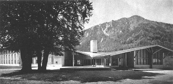 Evidenca in valorizacija objektov slovenske moderne arhitekture med leti 1945-70