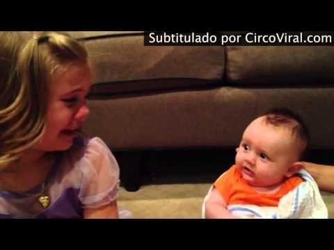 Vídeo: Una niña rompe a llorar porque no quiere que su hermanito crezca, ¿no es emotivo?