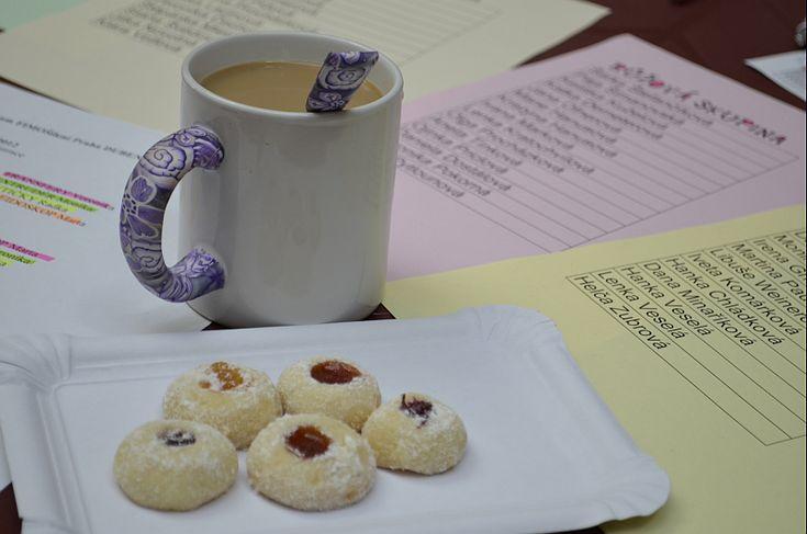 Na dubnové FimoŠílení nám Petra Kejlová přinesla skvělé koláčky.... zmizely jako pára nad hrncem a proto jsem Petru poprosila o recept a dnes jsem koláčky upekla...