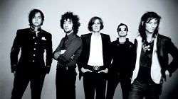 Поклонникам американской инди-рок группы The Strokes придётся ждать нового студийного альбома неопределённо долго. Даже не смотря на то, что отец гитариста Альберта Хаммонда младшего, Хаммонд старший недавно обнадёжил фанатов The Strokes и сообщил, что якобы группа отпр�