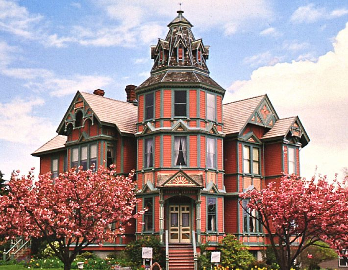1659 best victorian painted ladies images on pinterest for Country style homes wa