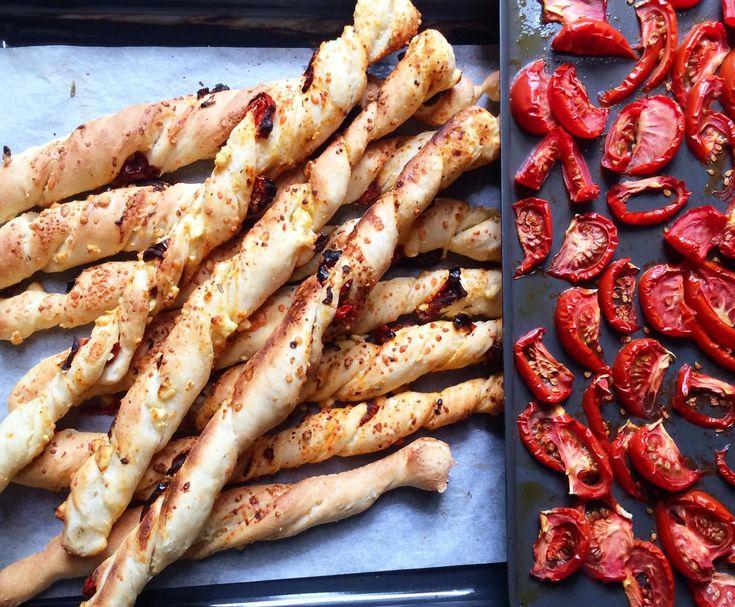 Recipe Semi-dried Tomato Grissini by Dani Valent - Recipe of category Baking - savoury