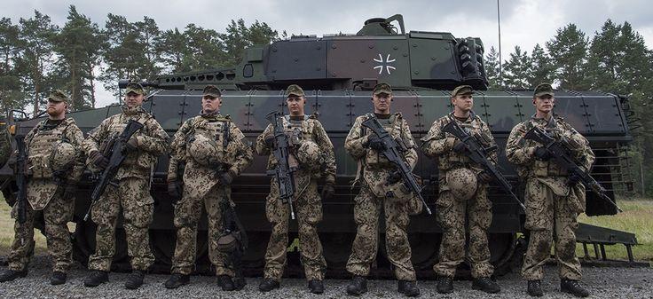 Les terroristes infiltrent les rangs de l'armée afin de recevoir un entraînement militaire