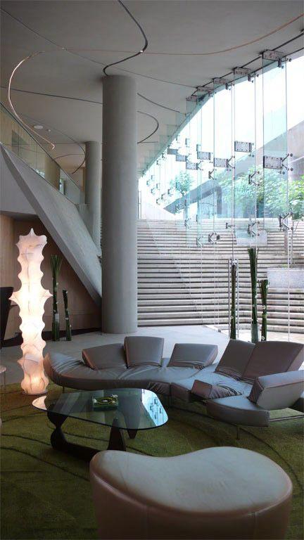 The Vivanta Bangalore, WOW Architects, Индия Интеграция в среду, криволинейные линии