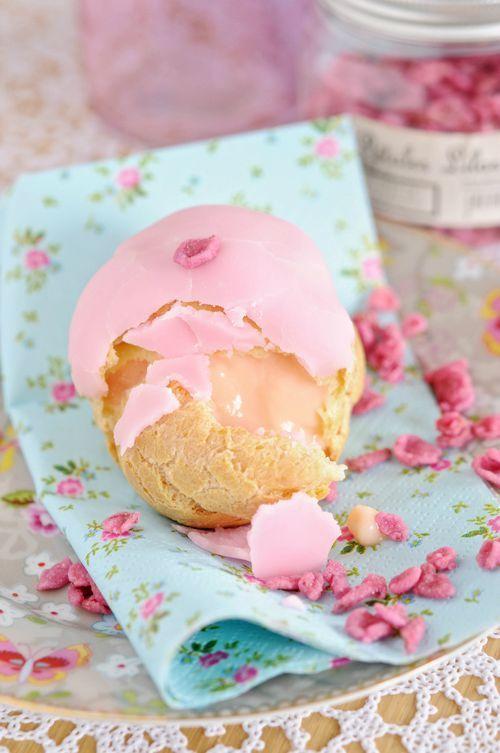Rose-flavored Cream Puffs