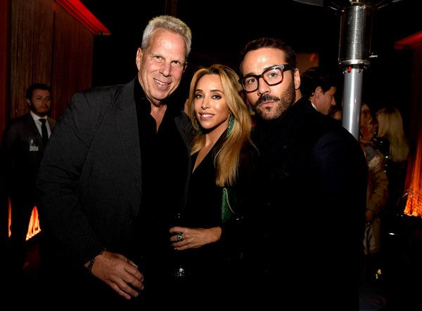 """Katia Francesconi Photos Photos - Producer Steve Tisch (L), Katia Francesconi, and actor Jeremy Piven at the after party for the premiere of Warner Bros. Pictures' """"Entourage"""" on June 1, 2015 in Los Angeles, California. - Premiere of Warner Bros. Pictures' 'Entourage' - After Party"""