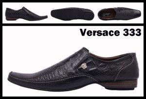 Sepatu kulit import merk terkenal desainnya keren, namun harganya mahal. Alternatifnya, anda bisa pesan sepatu custom handmade di sini.