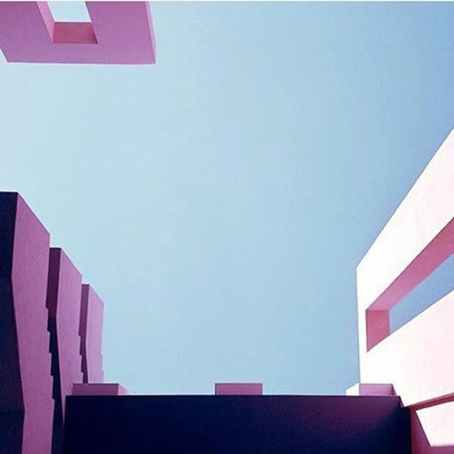 #regram @bofillarquitectura #murallaroja #ricardobofill