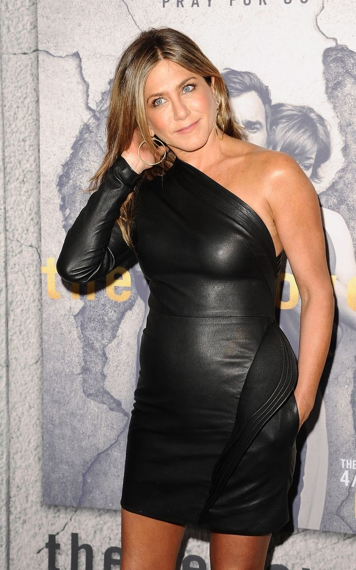 Is Jennifer Aniston Pregnant? Find out If She'll Welcome a Baby in 2017! - Closer Weekly