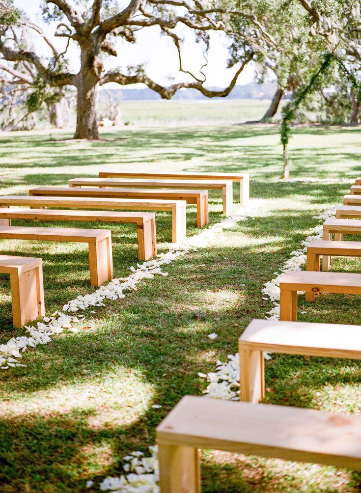 Natürliche Zypressenbänke Hochzeitsvermietung Charleston Columbia SC   – wedding decor