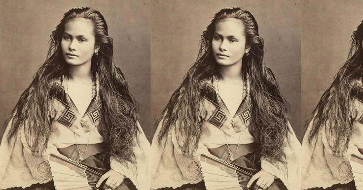 """This stunning young woman was photographed in the Philippines by Dutch photographer Francisco Van Camp, in 1875. The photo's inscription indicates that she is a """"Mestiza Sangley-Filipina,"""" an ethnic term used in the 16th to 19th-century Spanish Philippines to indicate someone from Chinese descent."""