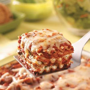 Hearty Chicken Lasagna Recipe ~ Give this good-for-you lasagna a try. The lean chicken is a nice change of pace from traditional lasagnas calling for Italian sausage or ground beef.  —Sharon Skildum, Maple Grove, Minnesota