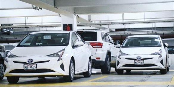 Morena exhorta a diputados a devolver vehículos híbridos