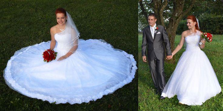 Spokojná nevesta v čipkových svadobných šatách zo Salónu EvaMária