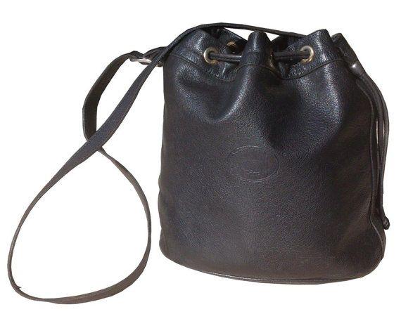 Sac de forme seau Vintage cuir noir Longchamp par InterieurSud, €92.00