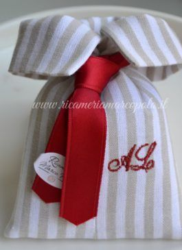 Cravattino rigato con iniziali