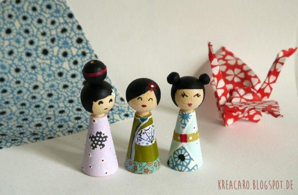 So, hier bin ich malwieder. Kokeshifiguren stammen aus Japan. Hier zeige ich Euch wie ich diese süßen Figuren selbstgemacht habe.