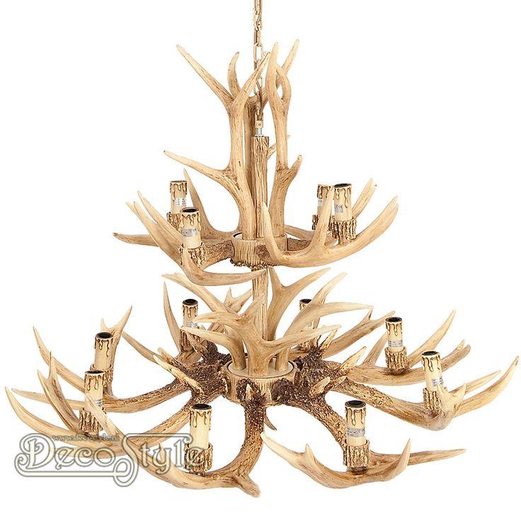 Gewei Hanglamp (95CM)  Karakteristieke Hanglamp met herten geweien. Voorzien van 12 lichtpunten. Met 12x kleine fitting (E14 Max 25W).   Materiaal: Polystone   Kleur: Bruin  Afmetingen: Diameter Gewei: 95 cm Hoogte lamp: 95 cm Hoogte met ketting: 170 cm