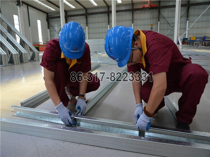 Install Steel Construction villa frame