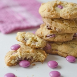 Pink and White Choc Chip Cookies - sweet anytime treat!