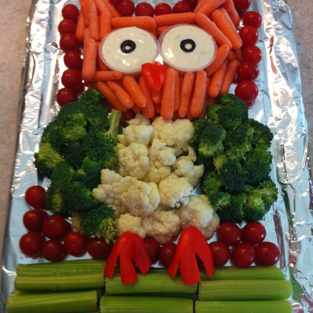 Owl vegetable tray.. this would be so perfect for my owl nursery theme shower
