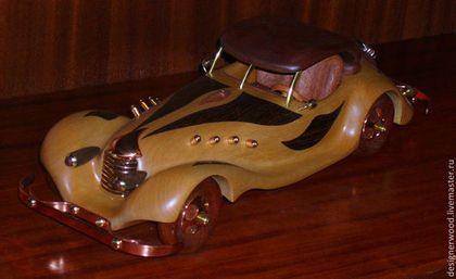 Купить или заказать В стиле ретро в интернет-магазине на Ярмарке Мастеров. Стилизованная модель ретро автомобиля. Изготовлена из березы. Инкрустация венге, красное дерево (сапели), медь, латунь, лак.