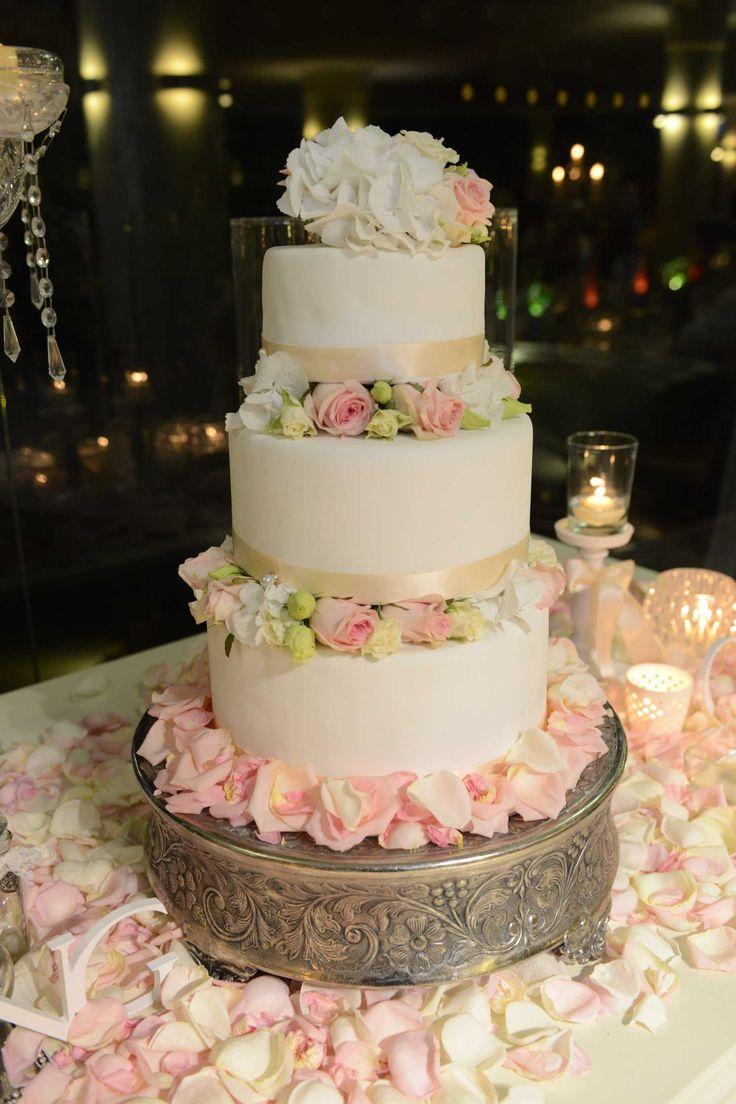 A&B Wedding ... Lovely day in Quinta Lago dos cisnes - Wedding cake