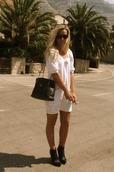 Ivana Helsinki white dress #streetstyle