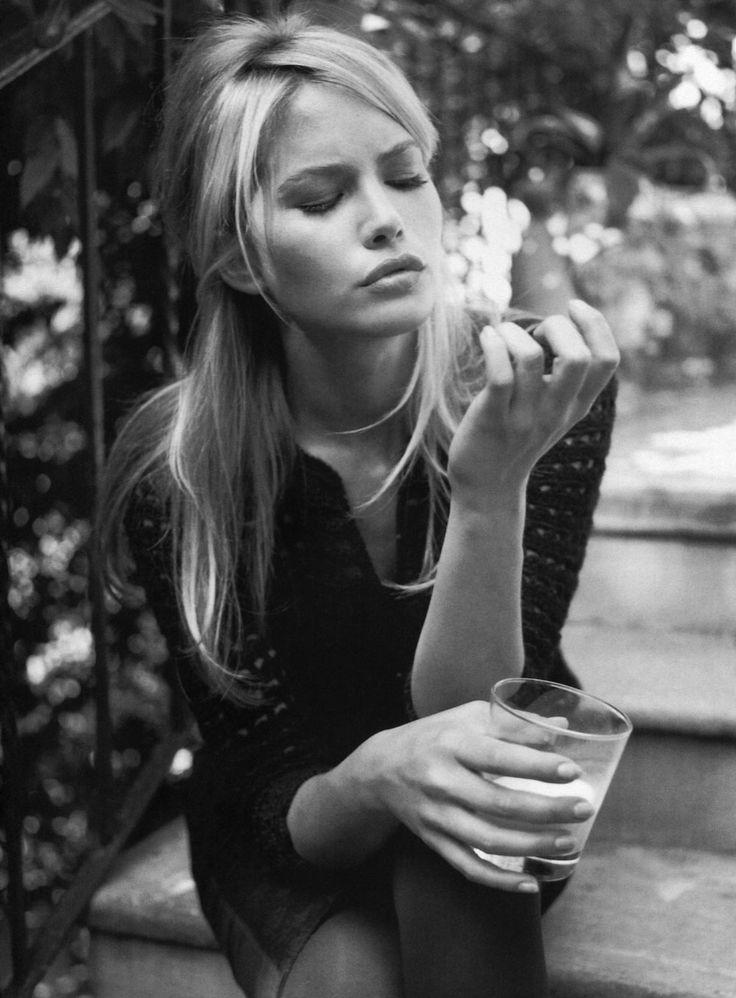 Valeria Mazza in Vogue Italia 1997 (photography: Walter Chin, styling: Anna Dello Russo)