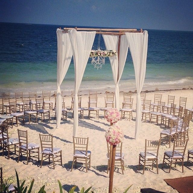 The perfect arrangement to allow all of your wedding guests a wonderful view of your special moment at Now Sapphire Riviera Cancun!