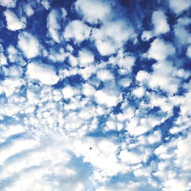 Loving this marshmallow sky ✈️☁️☝️!!! #vscocam #barcelona #photooftheday #sky #abmtravelbug #dscolor #timeoutsociety #explore #adventure #instatravel #sweetdreamsdlf